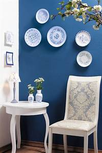 DIY decorative wall plates - Decoupage on glass and