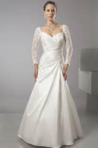 sleeved lace wedding dresses 2014 2015 wedding dress trends lace sleeves dipped in lace