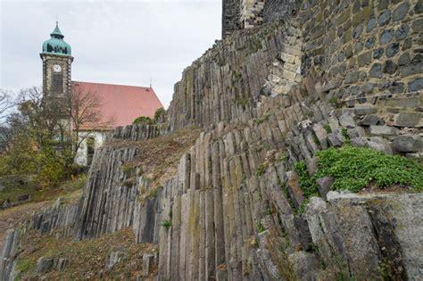 weitblick von der burg stolpen stoplener basalt und