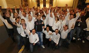 Renault F1 Viry Chatillon : sebastian vettel visits renault sport f1 in viry ch tillon groupe renault ~ Medecine-chirurgie-esthetiques.com Avis de Voitures