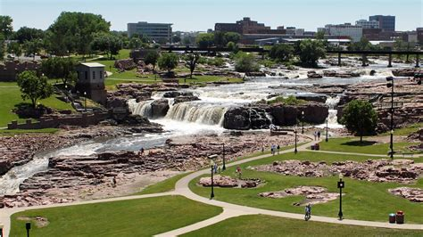 Sioux Falls Vacations 2017: Package & Save up to $603 ...