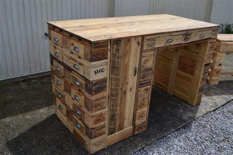 bureau palette bois bureau en bois de palette creation palette