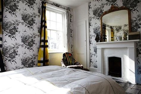 Antiques, Modern And Bedroom Wallpaper