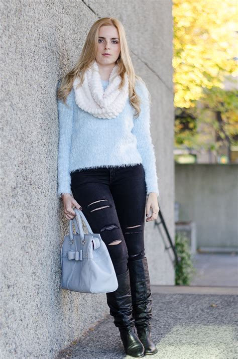 SOFT BLUE | The Urban Umbrella | A Vancouver Style Blog by Bree Aylwin