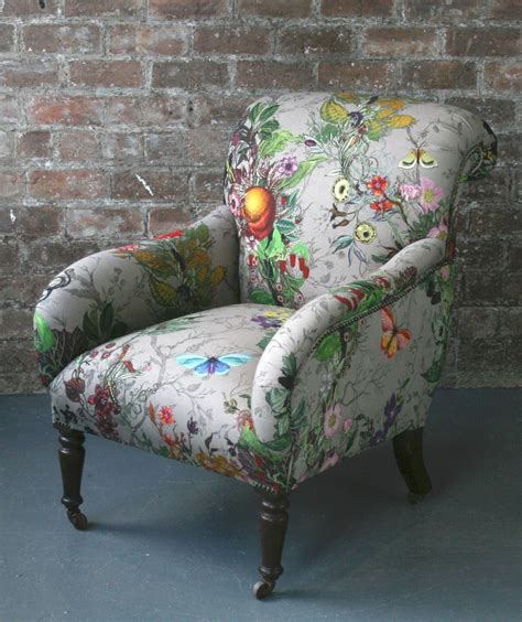 Upholstery Fabric For Sofas And Chairs by I M In Awe These Chairs The Fabric Is Just Beautiful