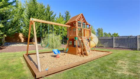 Child Services Investigates When Mom Lets Kids Play In