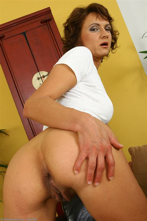 Mature Housewives Chelsea From Allover30