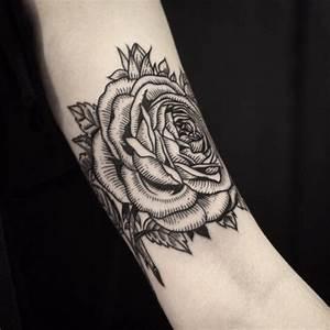 Rosen Tattoo Klein : originelle rosen tattoos tattoo spirit ~ Frokenaadalensverden.com Haus und Dekorationen