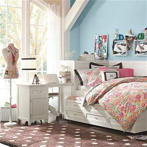 pottery barn teen daybed 17 best images about s bedroom on pink