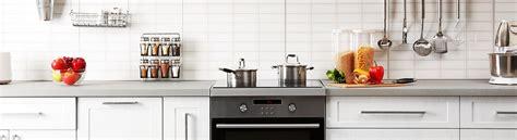 rona comptoir de cuisine comptoir stratifi rona cuisine avec comptoir de surface dure et armoires de bois clair