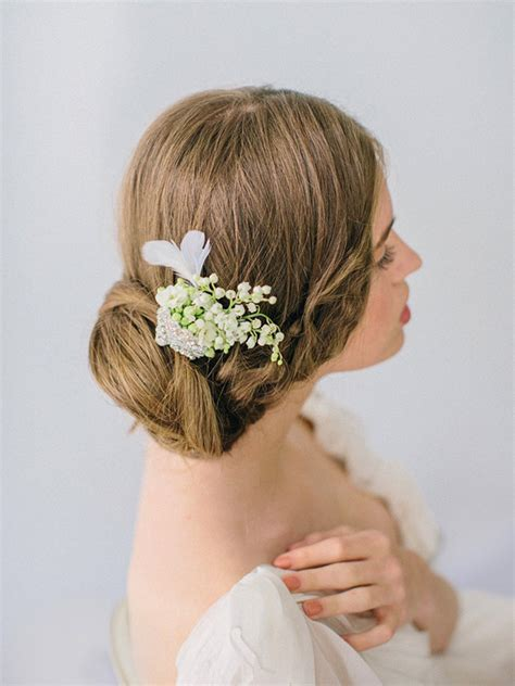 How to Wear Flowers in Your Hair   Bridal Hair Flowers