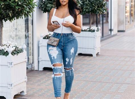 30 Chic Casual Jeans Outfits That Never Go Out Of Style