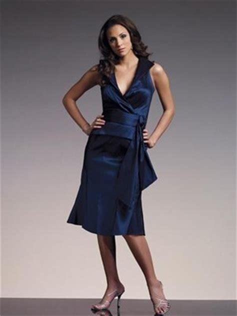 dunkelblaues kleid welche schuhe