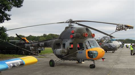 Dny Nato 2012, Mil Mi-2 0711 (01).jpg