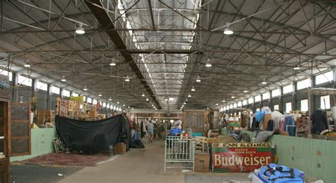 The Cattle Barn Flea Market In Fort Worth Texas Antique Church Pew Bench Australian Pocket Watches Wooden Medical Exam Table Personalised Silver Plated Jewellery Box Red Brick Fireplace Wall Coat Hooks French Desks Looking Shelf Brackets