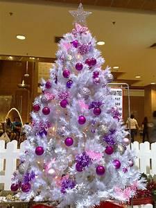 Künstlicher Weihnachtsbaum Geschmückt : k nstlicher tannenbaum aus spritzguss richtig geschm ckt wirkt er nat rlich indoor ~ Yasmunasinghe.com Haus und Dekorationen