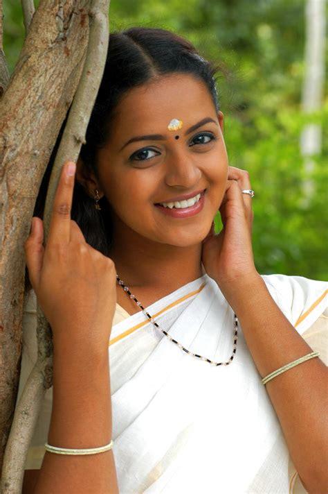 Indian Hot Actress Masala Bhavana Hot Sexy Indian Actress