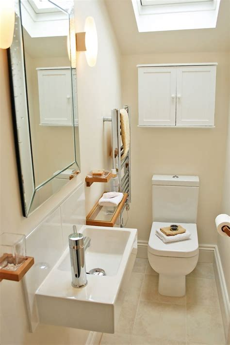 Decorating Ideas For Stairs Toilet by Best 25 Downstairs Toilet Ideas On Small