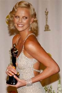Charlize Theron - The Oscars 2004. So Golden, talented ...