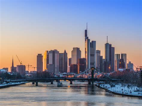 Chasing Rabbits And New York Nostalgia In Frankfurt Home