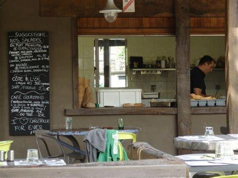 sur la cuisine cuisine ouverte sur la terrasse photo de la roue