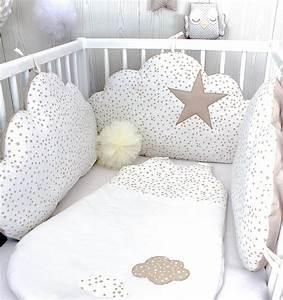 Lit Blanc Fille : tour de lit b b nuages fille ou gar on 3 grands coussins petites toiles couleur blanc et ~ Teatrodelosmanantiales.com Idées de Décoration