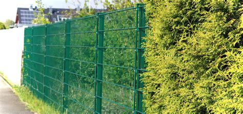 sichtschutz für garten und terrasse zaun oder hecke sichtschutz im garten und auf der