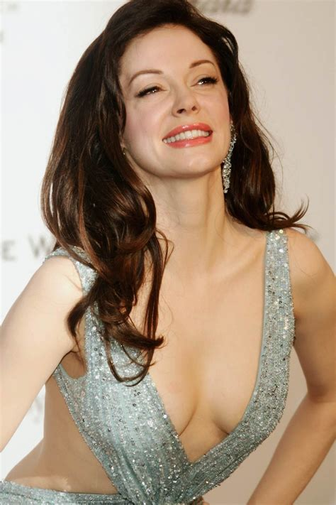 hot pictures  rose mcgowan  deliciously sexy