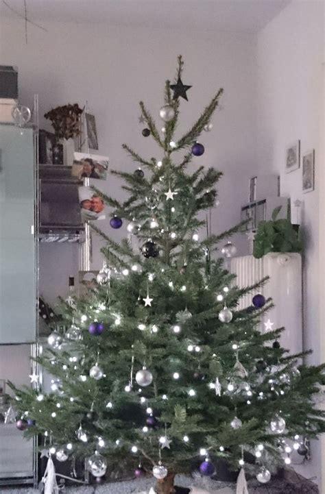 Weihnachtsbaum Rot Silber Geschmückt by Mein Weihnachtsbaum Ist Der Sch 246 Nste Baum Weil Drei