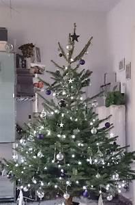 Geschmückte Weihnachtsbäume Christbaum Dekorieren : mein weihnachtsbaum ist der sch nste baum weil drei generationen ihn geschm ckt haben nachdem ~ Markanthonyermac.com Haus und Dekorationen