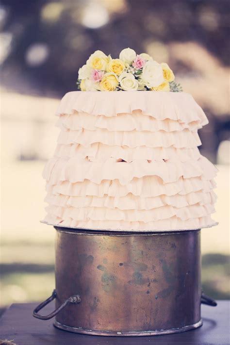 ombre ruffle wedding cake wonders