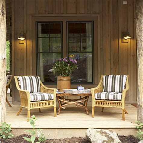 Small Porch Chairs by Cabin Decorating Ideas From The 2009 Giveaway House The