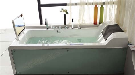 Oversized Jetted Tub by 20 Beautiful And Relaxing Whirlpool Tub Designs