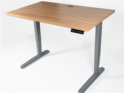 企業 座ってパソコン作業は禁止 集中力を高める為にpcは立った姿勢で使おう アイリスオーヤマ スタンディングテーブル を導入