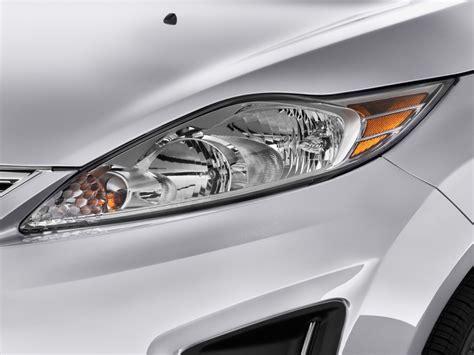 image 2013 ford 4 door sedan se headlight size