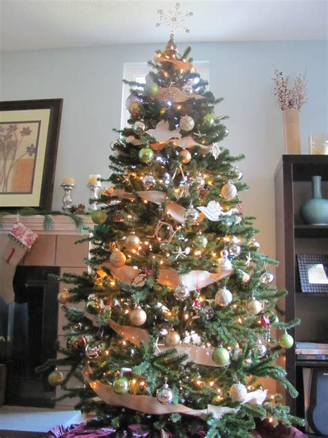 Pottery Barn Trees by How To Get A Pottery Barn Inspired Tree