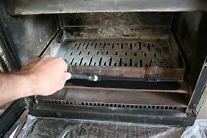 comment entretenir la fonte de sa cheminee insert poele With commentaire peindre une poutre en bois 4 comment peindre la poutre de votre cheminee conseils et