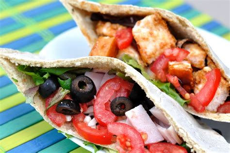 Gluten Free Goodness: Pita Bread Pockets