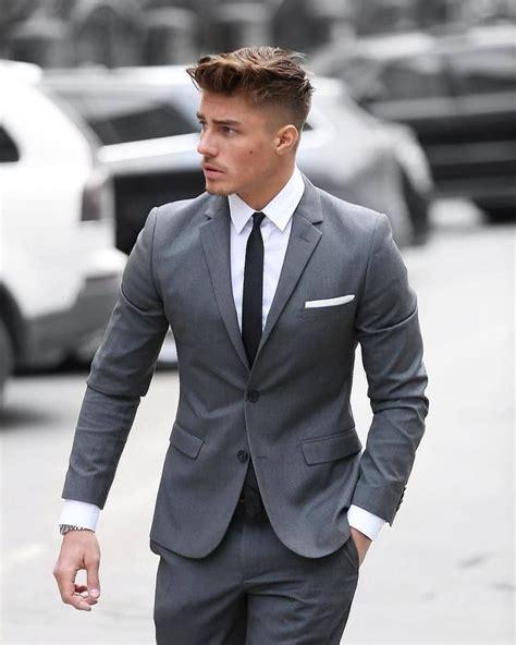 grauer anzug krawatte grauer anzug in tailored fit wei 223 es hemd und schwarze krawatte stylisher klassiker s