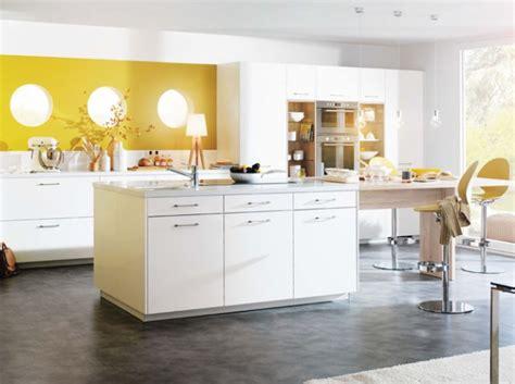 id馥 deco cuisine idée décoration cuisine jaune