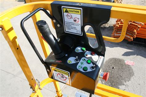 Scissor Lift control panel side - Iowa City, Cedar Rapids ...