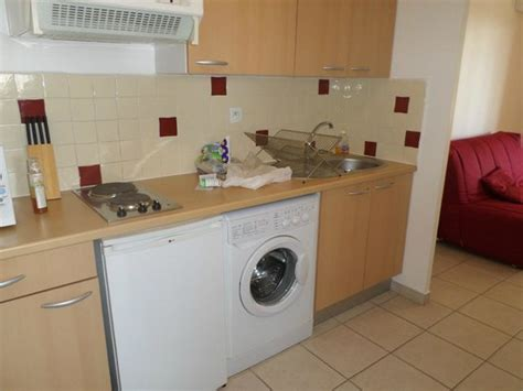linge de cuisine cuisine avec lave linge photo de inter hotel marseille