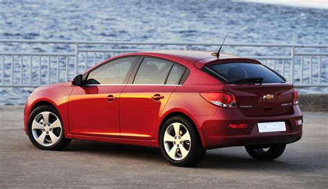2016 Chevrolet Cruze To Be Shown This Week, Hatchback