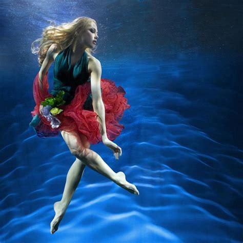 zena holloway underwater magic images  pinterest