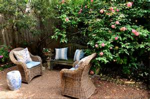 French Gardens with Pea Gravel Ideas