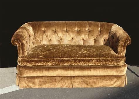 Henredon Settee by Vintage Henredon Loveseat Gold Velvet Settee Sofa