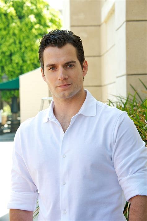 33 Pictures of Henry Cavill That Will Make You Go Weak at ...