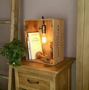 Caisse En Bois à Donner : lampe dans une caisse de vin en bois style vintage avec ~ Louise-bijoux.com Idées de Décoration