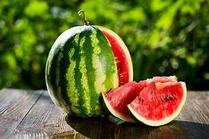 How to pick a good watermelon | MNN - Mother Nature Network