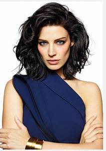 Jessica Pare-OH MY. Hair, the dress, the cuff, PERFECTION ...